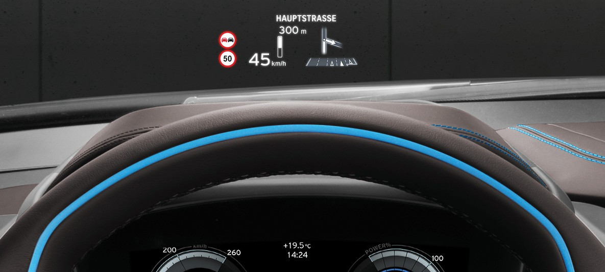 BMW i Serisi i8 Head-Up Display